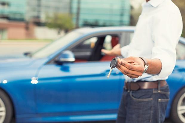 autóval keress pénzt internetes bevétel az opciókról