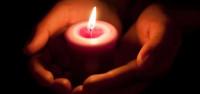 Gyász: Álmában hunyt el a híres sorozatsztár – legyőzte a rák