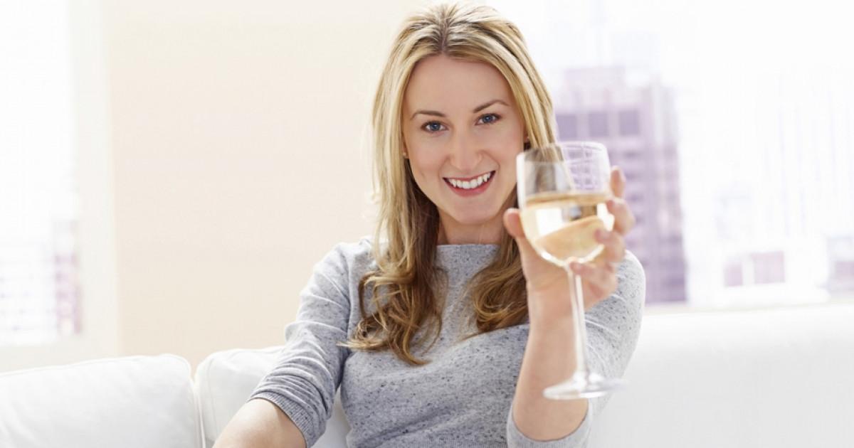 Ennyi kalória van egy pohár borban és egy pohár sörben..