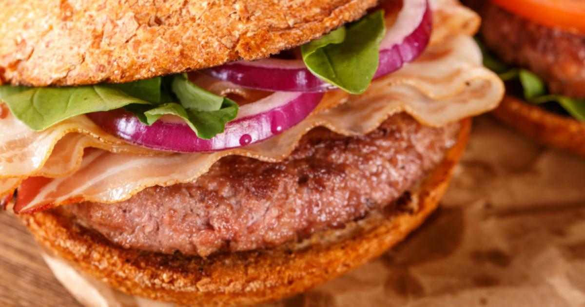 Hamburgerbe vele: A legjobb húspogácsa, amit sertéshúsból ...