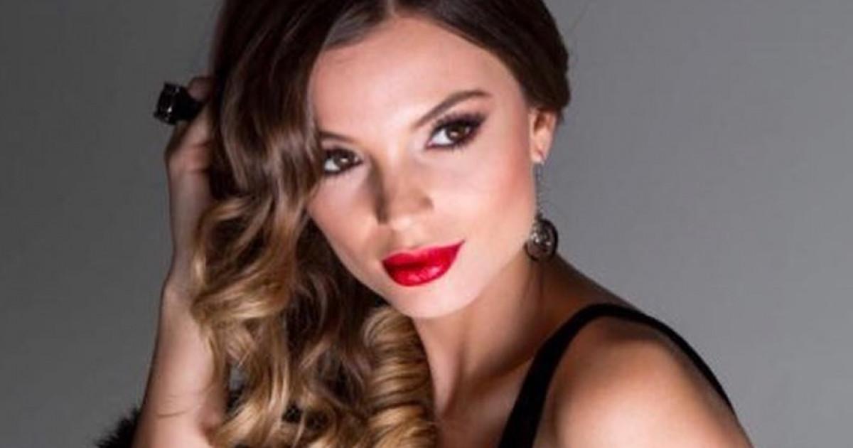 Érzéki képekkel jelenik meg a 2018-as Miss Balaton naptár  1eeecf2f03