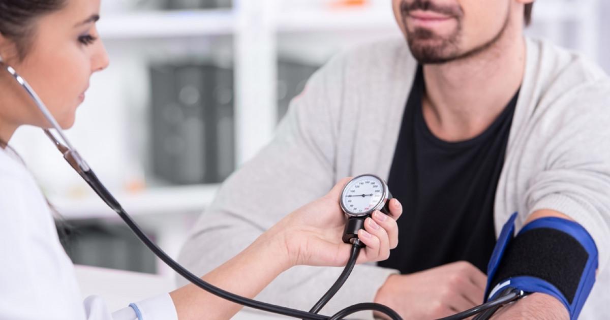 zokogó légzés és magas vérnyomás