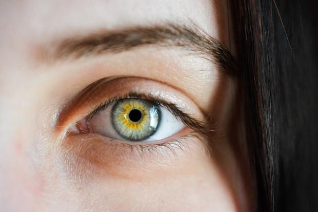 visszanyeri látását