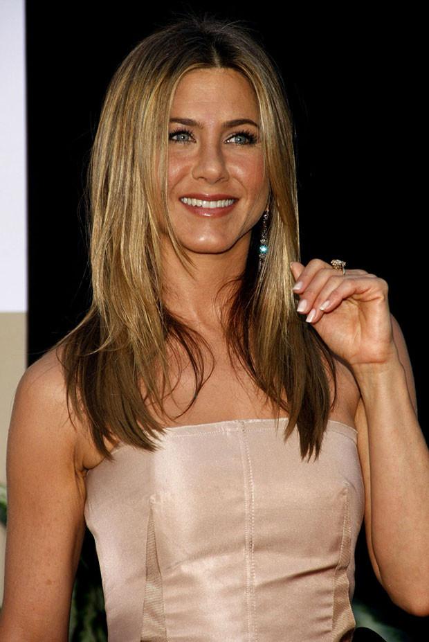 Nézd végig galériánkban Jennifer Aniston legszebb ruháit!