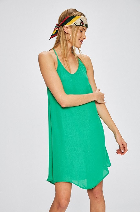 16ed87afd0 Answear - A legdögösebb ruhák, amikben garantáltan hódítasz egész ...