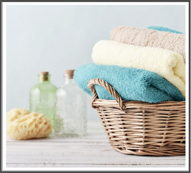 Az új törölközők esetében fordulhat elő, hogy az első mosás után kis szöszök jelennek meg rajtuk, amiket az ujjunkkal felcsípve lehetetlen összegyűjteni. Ilyenkor csak görgessük végig az anyagon a hengert, ami egy perc alatt összegyűjti az apróságokat.