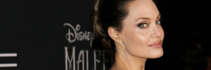 Angelina Jolie egy feszes ruhában mutatta meg alakját: a rajongók aggódnak érte