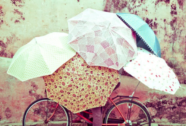 Egy tucatnyi esernyő