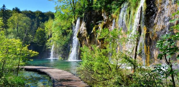 Szebb, mint nyáron! Lenyűgöző fotók készültek a téli Plitvicei-tavakról