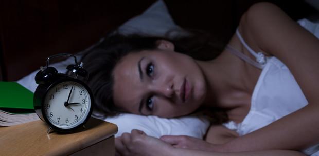 Gyakran ébredsz fel éjszakánként? Ezt jelzi a szervezeted