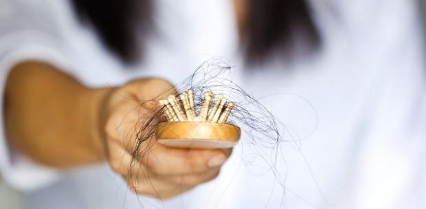 Állítsd meg a hajhullást: Ezek lehetnek a leggyakoribb okai