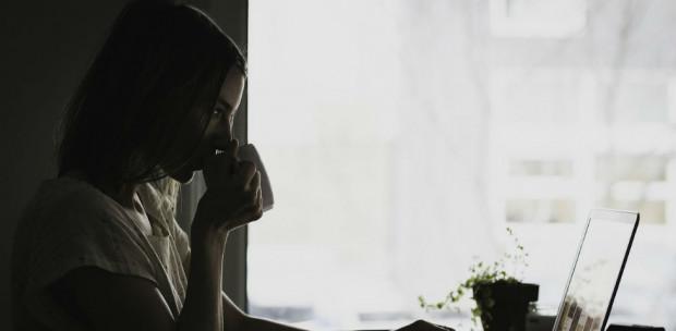 A közösségi médiától könnyen depressziósak és magányosak lehetünk