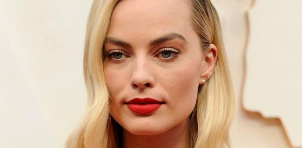 Elkelt Hollywood legdögösebb színésznője - Az Oscarra is elkísérte új pasija