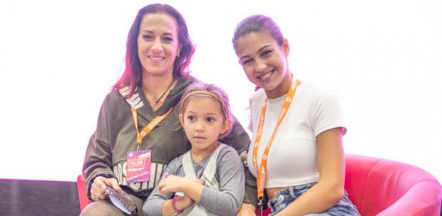 Ritka alkalom: Fésűs Nelly két kislányával jelent meg a FitBalance-on - Fotók