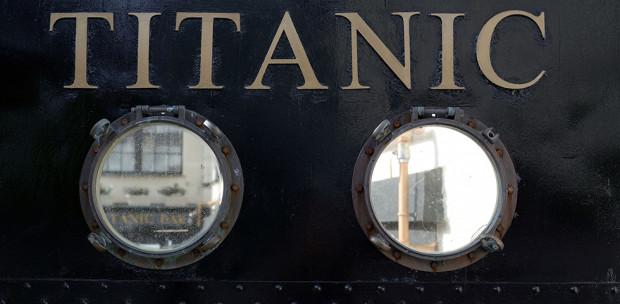 Kísérteties egybeesések: ugyanazon a napon süllyedt el a Titanic, és égett le a Notre Dame
