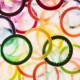 Miért jár le az óvszer? Egy komplex folyamat áll ennek a folyamatnak a hátterében, ami során az óvszer anyaga idővel lebomlik, veszít a hatékonyságából. Minél rugalmasabb anyagból készül a kondom, annál időtállóbb – ezért sem éri meg ezen spórolni.
