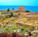 Büblosz, Libanon (10.000 éves)  A Földközi-tenger partján fekvő Büblosz kikötőváros főniciai néven Gebálként is ismert, a neolitikum idején pedig Büblosz halászfaluból virágzó kereskedelmi csomóponttá nőtte ki magát, nagyrészt a görögökkel és egyiptomiakkal folytatott kereskedelemnek köszönhetően. A város neve egyébként a görög papirusz szóból származik, ez az exporttermék volt ugyanis a legjelentősebb, amit a kikötőből messzi országokba szállítottak.