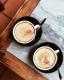 A vietnámi kávé, hidd el, különleges annyira, hogy érdemes legyen megkóstolni! Vétek volna kihagyni például a hanoi tojásos kávét, ami egy laza fekete tojássárgájával és sűrített tejjel, amit általában egy tálka vízben kínálnak.