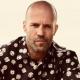 Jason Statham  A világ egyik legsármosabb színészének is gyakran nevezett Jason Statham még 53 évesen is nagyon dögös – legalábbis ezt bizonyítja azt a tény, hog az elmúlt egy évben 7.4 millió alkalommal hívták szexisnek a rajongói a különböző online felületeken.