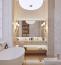 Az aranyozott kiegészítők és felületek jellemzőek az olasz lakberendezésben, főként a fürdőszobát szeretik feldobni az ilyen apróságokkal. Persze ez is ontja magából a luxus érzetét, nem csoda, ha a pizzakirályok nem tudnak neki ellenállni.