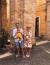 Íme Maya, és gyönyörű családja! Ezt a képet augusztus végén tették közzé, Olaszországban, Riminiben nyaraltak a lányokkal. Nagyon sokat nőtt a születése óta Kincső is, feltehetően az elmúlt két hónapban is nagyon sokat változott.
