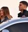 Egy népszerű szórakozóhelyre igyekezett a társaság, ami csak és kizáróag Kylie Jennerék kedvéért nyitott ki. Egymást karolva érkeztek és távoztak.