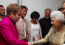 Elton Johnnak 2012-ben volt szerencséje tiszteletét tennie a királynő előtt. Igazán megható találkozás!
