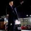 A volt elnök egy autós kampányrendezvényen -a jelenlévők a gépkocsijukban ültek - kifejtette: reménykedett abban, hogy az ő néhány intézkedését Donald Trump elnökként tovább viszi majd, de ebben csalatkoznia kellett. Szerinte a jelenlegi elnököt nem érdekli az elnöki munka, valóságshownak hiszi az elnökséget, csakis magának és a barátaink akart segíteni.
