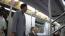 A Borat első részében a New Yorki metrón jelent meg, ahol idegenekkel próbált beszélgetni, sőt megpuszilni, majd egy élő csirkét szabadított az utasokra. A metrón lévők biztos nem sejtették, hogy ilyen bizarr jelenetnek lesznek a szemtanúi, mikor aznap reggel felébredtek.