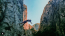 Zadartól és Karlobágtól mindössze 45 kilométerre, a Velebit-hegység tenger felőli oldalán található Horvátország egyik legnépszerűbb nemzeti parkja. A Paklenica Nemzeti Parkgazdag növény- és állatvilágának felfedezéséhez a park 200 kilométernyi kijelölt úthálózatot kínál, amit gyalog vagy kerékpárral is bejárhatsz. A kalandot keresőket 360, hegymászásra alkalmas hely várja. Kihagyhatatlan látványosság Paklenica hét régi malma a 19. századból, a vidék egykori lakóinak életmódját bemutató Marasovic Tájház, valamint a park legszebb barlangja, a Manita peć.