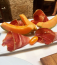 Gyakori és meglehetősen ízletes horvát előétel a szárított sonka. A pršutot általában valamilyen gyümölccsel vagy olívabogyóval kínálják.