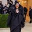 Rihanna Balenciagaruhában a 2021-es MET-gálán