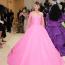 Carey Muligan Valentino ruhában a 2021-es MET-gálán