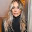 Jennifer Lopez  Íme a bizonyíték, hogy a füstös szemsminkek is nyújthatnak természetes hatást - messziről úgy tűnik, mintha J.Lo-n nem is lenne smink, csak az árnyékok adnak ilyen szép keretet a szemének.