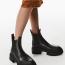 ZARA Mid-heel ankle boots with track soles15 995 Ft  Ez egy klasszikusabbnak mondható, bakancsos stílusú fazon azoknak, akik a trendek ellenére a fekete színre szavaznak - örök klasszikus, jövőre is fogod tudni hordani!