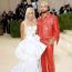 Donatella Versace és Maluma Atelier Versace ruhában a 2021-es MET-gálán
