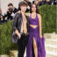 Camila Cabello és Shawn Mendes Michael Kors ruhában a 2021-es MET-gálán