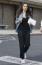 Ezt a melegítő szettet már farmerdzsekivelkombinálta Mila Kunis. Tökéletes kombináció, ha nincs kedvünk kiöltözni a boltba, mégis divatosak szeretnénk lenni.