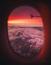 6. HELY: Repülőgép-ablak. A megkérdezettek 15 %-a azt mondta, ha meglát egy ilyen képet, hajlamos kikövetni az illetőt.