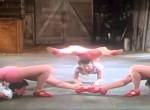 Erre a 3 nőre mindenki irigykedhet, olyan elképesztő dolgot művelnek - Videó