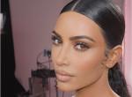 Így néz ki valójában Kim Kardashian bőre