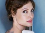 """Néha pimasz, néha unalmas, néha istennő - Ilyen """"skizofrén"""" Angelina Jolie öltözködése"""
