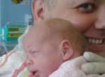 Döntöttek: ez lesz Damu Roland koraszülött kislányának sorsa - Muszáj elhagynia a kórházat