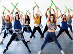 Új fitnesz őrület hódít Los Angelesben - Két vagány dobos lány találta ki
