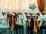 A profi dekoratőr válaszol - Így kerülheted el, hogy giccses legyen az esküvői dekoráció