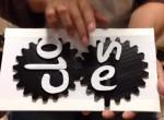 Így is lehet: kreatív nyitva-zárva tábla, amin mindenkinek megakad a szeme