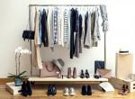 Túlélni 2017-et mindössze 10 darab ruhával? – Így készíthetünk kapszula-gardróbot egy teljes évre