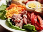 Egy egészséges és laktató finomság: séfsaláta sonkával, tojással