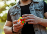Lehull a lepel a Rubik-titokról