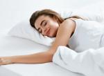 Tudtad? Ezért takarjuk ki mindig az egyik lábunkat alvás közben